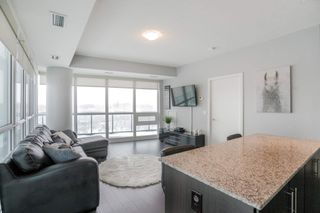Photo 3: 401 35 Brian Peck Crescent in Toronto: Leaside Condo for sale (Toronto C11)  : MLS®# C4646982