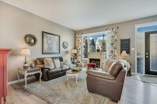 Photo 5: 9811 105 Avenue: Morinville Attached Home for sale : MLS®# E4197943