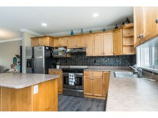 "Photo 12: 32954 PHELPS Avenue in Mission: Mission BC House for sale in ""Cedar Valley Estates"" : MLS®# R2468941"