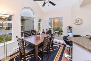 Photo 3: 301 835 Selkirk Ave in Esquimalt: Es Kinsmen Park Condo for sale : MLS®# 834669