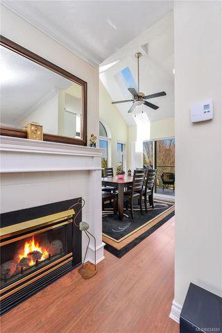 Photo 11: 301 835 Selkirk Ave in Esquimalt: Es Kinsmen Park Condo for sale : MLS®# 834669