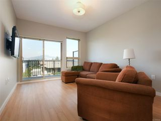 Photo 2: 411 3240 Jacklin Rd in : La Walfred Condo for sale (Langford)  : MLS®# 855300