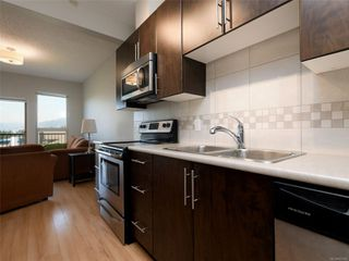 Photo 7: 411 3240 Jacklin Rd in : La Walfred Condo for sale (Langford)  : MLS®# 855300