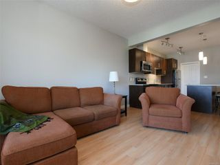Photo 3: 411 3240 Jacklin Rd in : La Walfred Condo for sale (Langford)  : MLS®# 855300