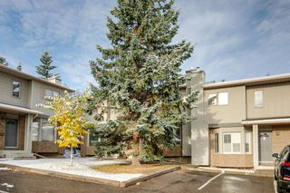 Photo 2: 53 Patina Park SW in Calgary: Patterson Row/Townhouse for sale : MLS®# A1042204