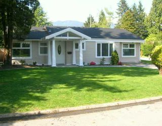 """Photo 1: 1126 BEECHWOOD CR in North Vancouver: Norgate House for sale in """"NORGATE"""" : MLS®# V589298"""