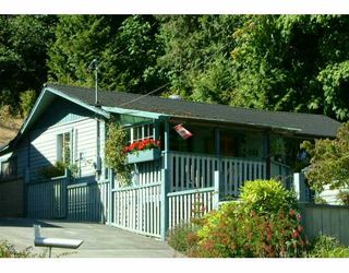Photo 1: 672 GOWER POINT Road in Gibsons: Gibsons & Area House for sale (Sunshine Coast)  : MLS®# V607955