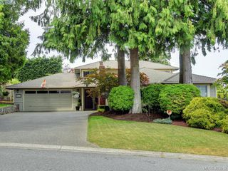 Photo 1: 4731 AMBLEWOOD Drive in VICTORIA: SE Cordova Bay Single Family Detached for sale (Saanich East)  : MLS®# 413512