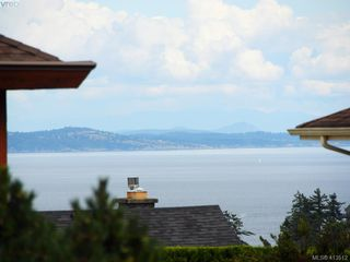 Photo 33: 4731 AMBLEWOOD Drive in VICTORIA: SE Cordova Bay Single Family Detached for sale (Saanich East)  : MLS®# 413512
