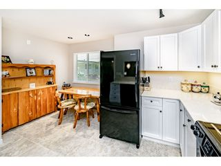 """Photo 10: 3964 CREEKSIDE Place in Burnaby: Burnaby Hospital Townhouse for sale in """"CASCADE VILLAGE"""" (Burnaby South)  : MLS®# R2399957"""