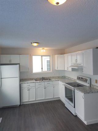 Photo 2: 3710 39 Avenue in Edmonton: Zone 29 House for sale : MLS®# E4172518