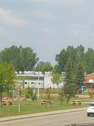 Photo 9: 3710 39 Avenue in Edmonton: Zone 29 House for sale : MLS®# E4172518