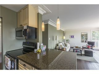 Photo 4: 103 3080 LONSDALE Ave in North Vancouver: Home for sale : MLS®# V1131017