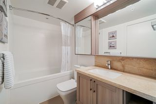 """Photo 12: 718 5665 BOUNDARY Road in Vancouver: Collingwood VE Condo for sale in """"WALL CENTRE CENTRAL PARK"""" (Vancouver East)  : MLS®# R2431839"""