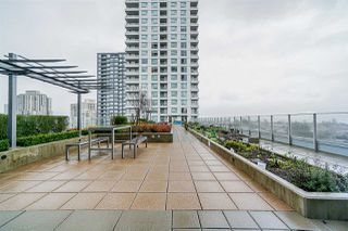 """Photo 16: 718 5665 BOUNDARY Road in Vancouver: Collingwood VE Condo for sale in """"WALL CENTRE CENTRAL PARK"""" (Vancouver East)  : MLS®# R2431839"""