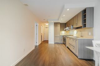"""Photo 3: 718 5665 BOUNDARY Road in Vancouver: Collingwood VE Condo for sale in """"WALL CENTRE CENTRAL PARK"""" (Vancouver East)  : MLS®# R2431839"""