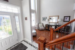Photo 3: 818 Ledingham Crescent in Saskatoon: Rosewood Residential for sale : MLS®# SK808141