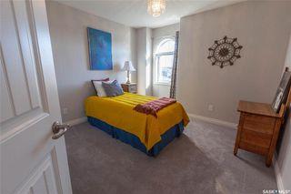 Photo 33: 818 Ledingham Crescent in Saskatoon: Rosewood Residential for sale : MLS®# SK808141