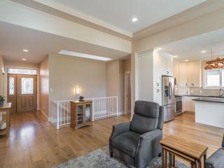 Photo 6: 5872 Linyard Rd in : Na North Nanaimo Single Family Detached for sale (Nanaimo)  : MLS®# 851015