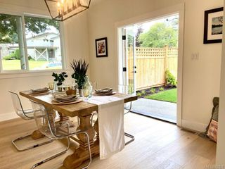 Photo 8: 1027 Tolmie Ave in : Vi Mayfair House for sale (Victoria)  : MLS®# 852128