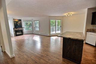 Photo 2: 202 10827 85 Avenue in Edmonton: Zone 15 Condo for sale : MLS®# E4213392