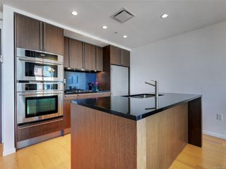 Photo 10: 703 100 Saghalie Rd in : VW Songhees Condo for sale (Victoria West)  : MLS®# 855091