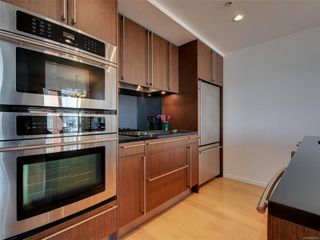 Photo 13: 703 100 Saghalie Rd in : VW Songhees Condo for sale (Victoria West)  : MLS®# 855091