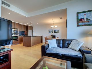 Photo 5: 703 100 Saghalie Rd in : VW Songhees Condo for sale (Victoria West)  : MLS®# 855091