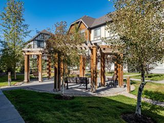 Photo 3: 450 130 New Brighton Way SE in Calgary: New Brighton Row/Townhouse for sale : MLS®# A1057507