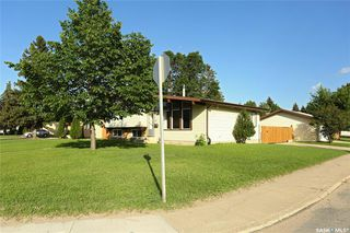 Photo 2: 29 Assiniboine Drive in Saskatoon: River Heights SA Residential for sale : MLS®# SK782395