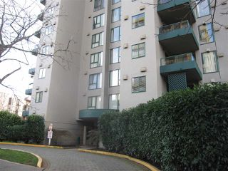 Photo 14: 405 410 CARNARVON Street in New Westminster: Downtown NW Condo for sale : MLS®# R2428673