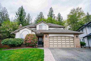 Photo 2: 8417 213 Street in Langley: Walnut Grove House for sale : MLS®# R2452296