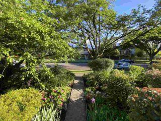 Photo 6: 3260 GRAVELEY Street in Vancouver: Renfrew VE House for sale (Vancouver East)  : MLS®# R2456621