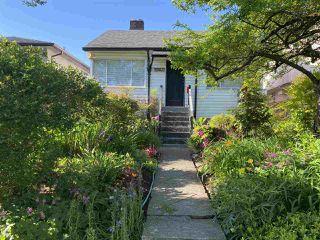 Photo 4: 3260 GRAVELEY Street in Vancouver: Renfrew VE House for sale (Vancouver East)  : MLS®# R2456621