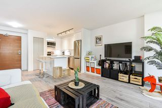 """Photo 2: 310 161 W GEORGIA Street in Vancouver: Downtown VW Condo for sale in """"COSMO"""" (Vancouver West)  : MLS®# R2503514"""