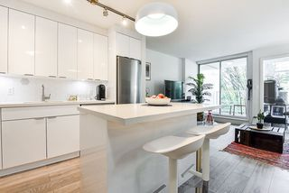 """Photo 5: 310 161 W GEORGIA Street in Vancouver: Downtown VW Condo for sale in """"COSMO"""" (Vancouver West)  : MLS®# R2503514"""
