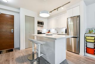 """Photo 3: 310 161 W GEORGIA Street in Vancouver: Downtown VW Condo for sale in """"COSMO"""" (Vancouver West)  : MLS®# R2503514"""