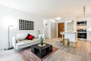 """Photo 1: 310 161 W GEORGIA Street in Vancouver: Downtown VW Condo for sale in """"COSMO"""" (Vancouver West)  : MLS®# R2503514"""