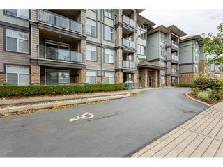 """Photo 3: 309 33338 MAYFAIR Avenue in Abbotsford: Central Abbotsford Condo for sale in """"THE STERLING ON MAYFAIR"""" : MLS®# R2509328"""