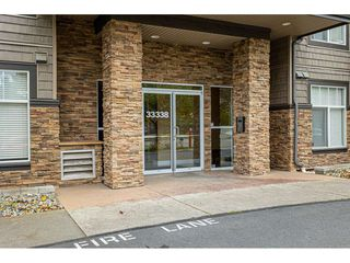 """Photo 4: 309 33338 MAYFAIR Avenue in Abbotsford: Central Abbotsford Condo for sale in """"THE STERLING ON MAYFAIR"""" : MLS®# R2509328"""
