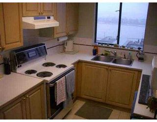 """Photo 4: 302 420 CARNARVON Street in New Westminster: Downtown NW Condo for sale in """"CARNARVON PLACE"""" : MLS®# V562687"""