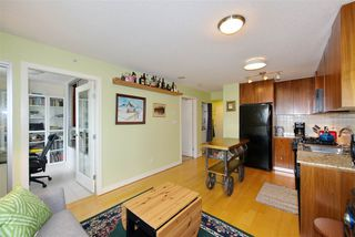 "Photo 8: 306 1030 W BROADWAY Street in Vancouver: Fairview VW Condo for sale in ""La Columa"" (Vancouver West)  : MLS®# R2388638"