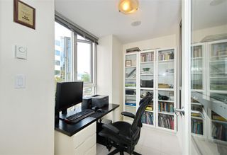 "Photo 12: 306 1030 W BROADWAY Street in Vancouver: Fairview VW Condo for sale in ""La Columa"" (Vancouver West)  : MLS®# R2388638"