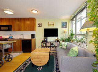 "Photo 4: 306 1030 W BROADWAY Street in Vancouver: Fairview VW Condo for sale in ""La Columa"" (Vancouver West)  : MLS®# R2388638"