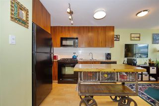 "Photo 10: 306 1030 W BROADWAY Street in Vancouver: Fairview VW Condo for sale in ""La Columa"" (Vancouver West)  : MLS®# R2388638"