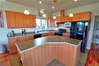 Photo 4: 3573 Sun Vista in VICTORIA: La Walfred House for sale (Langford)  : MLS®# 820106