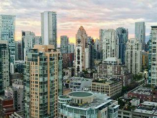 "Photo 3: 3208 198 AQUARIUS Mews in Vancouver: Yaletown Condo for sale in ""AQUARIUS II"" (Vancouver West)  : MLS®# R2422865"