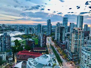 "Photo 9: 3208 198 AQUARIUS Mews in Vancouver: Yaletown Condo for sale in ""AQUARIUS II"" (Vancouver West)  : MLS®# R2422865"