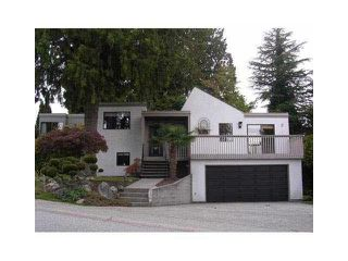 Photo 1: 555 TRALEE Crescent in Delta: Pebble Hill House for sale (Tsawwassen)  : MLS®# R2446101