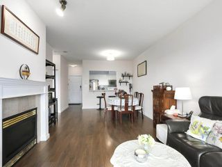 """Photo 7: 1004 6838 STATION HILL Drive in Burnaby: South Slope Condo for sale in """"Belgravia"""" (Burnaby South)  : MLS®# R2491540"""
